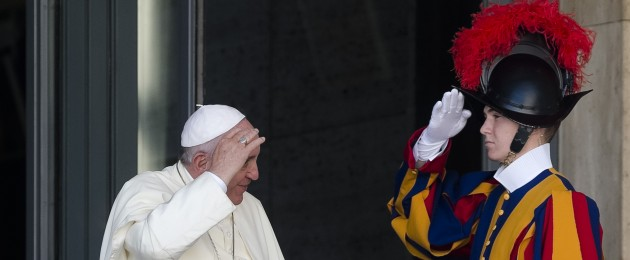 Swiss Guard salutes Pope Francis